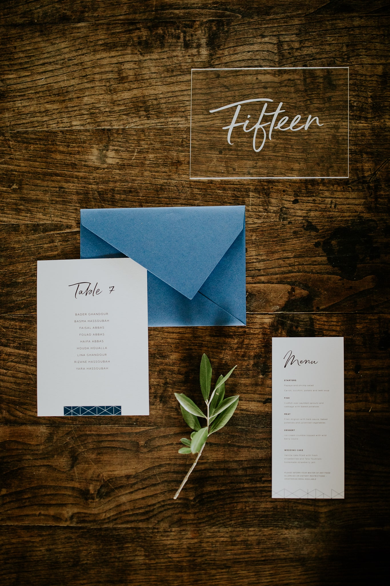 wedding table decoration envelops
